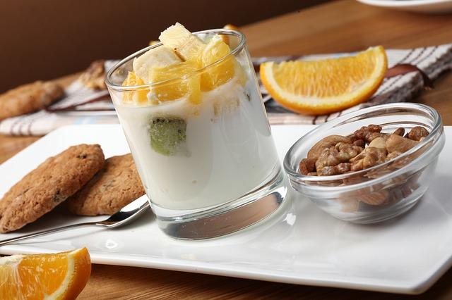 jogurt s ovocem