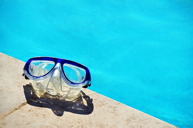 bazén, potápěčské brýle